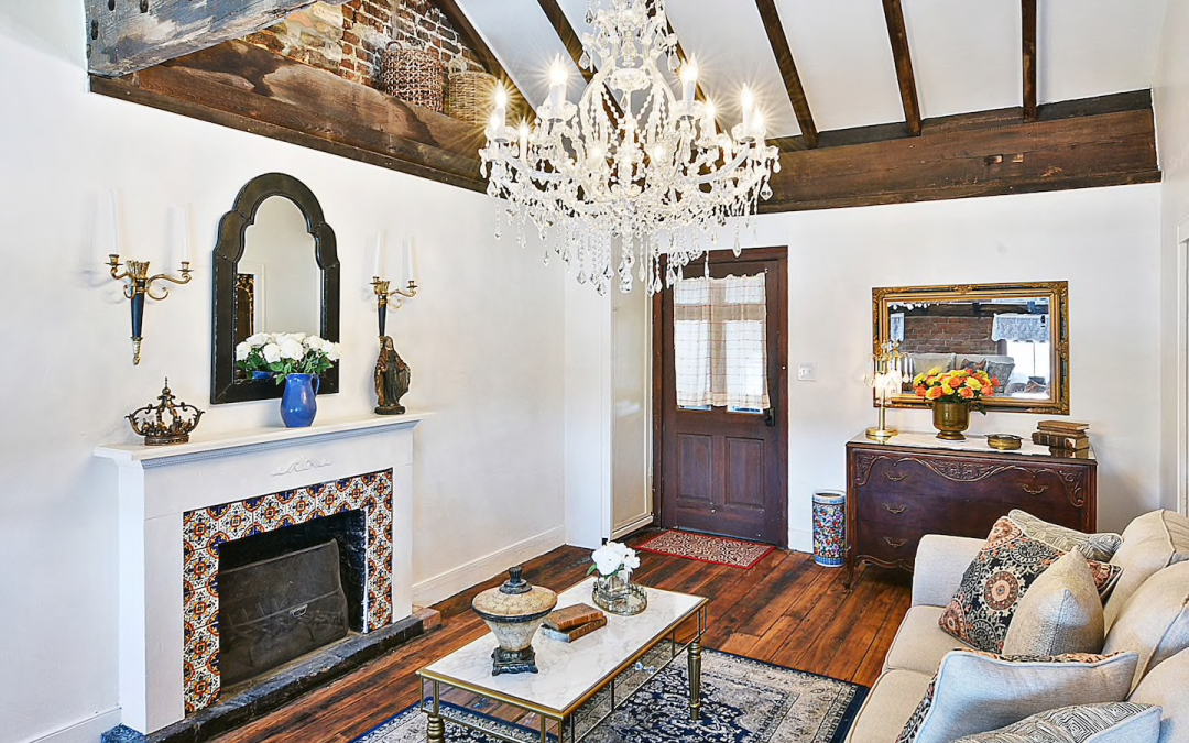 Appointed Like This:  New Orleans Glam